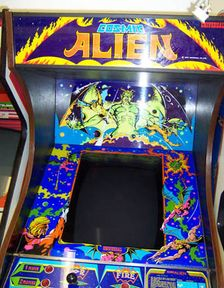 Cosmic Alien cabinet picture